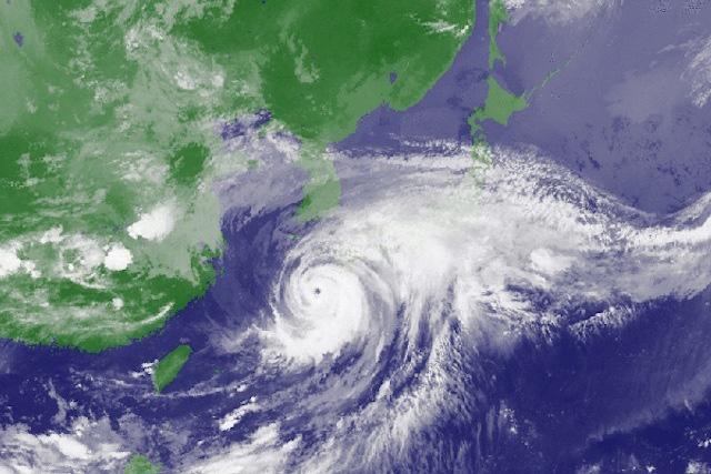 台風を宇宙から見た図