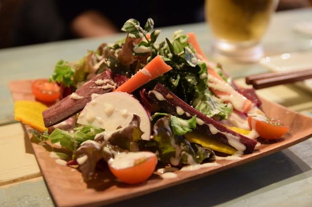 鎌倉野菜を使ったサラダ