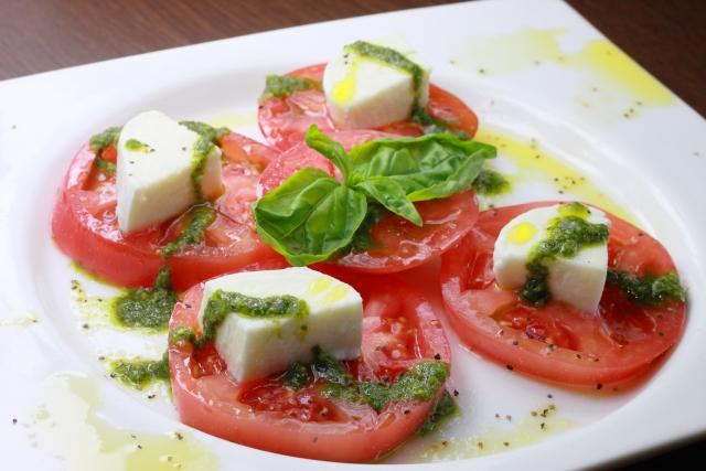 バジルとトマトのカプレーゼ